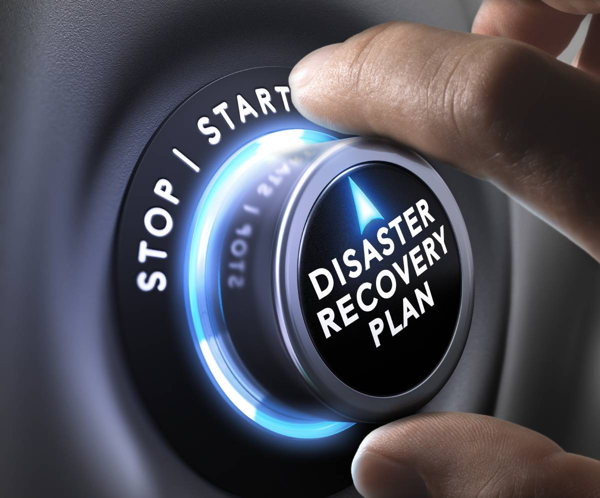 Disaster recovery plan with switch set to start